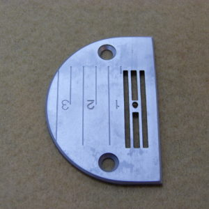 Пластина игольная Siruba L818 E704