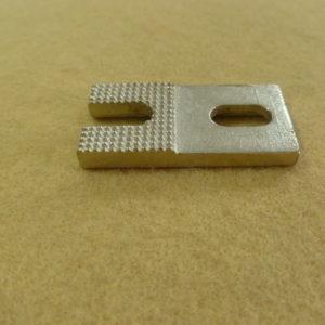 Пластина пуговицы 4мм B2410-372-OOS Juki 372
