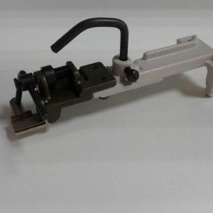 Лапка Juki 373 аппарат пуговичный (пуговица на ножке) B2401-372-OBO