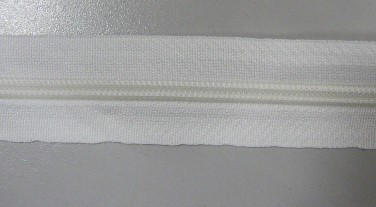 Рулонная молния спираль №5 17.50гр/м 200м/рул (501белый)