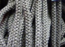 Шнур 90 Ф круглый (акрил) диам. 9,0 мм  коричневый (72) (уп. 100 м.)