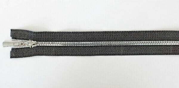 """Молния декоративная №5 """"под джинсу"""" звено-декоративный никель, 70 см, серебристо-черная тесьма"""
