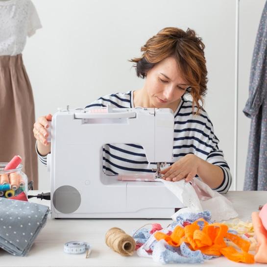 Как выбрать бытовую швейную машину